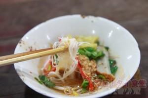 タイ版「わんこソバ」クイッティアオ・ルアは何杯食べられるのか!?