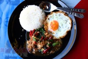 とろとろ牛肉ガパオを召し上がれ@ラマ4世通りの食堂