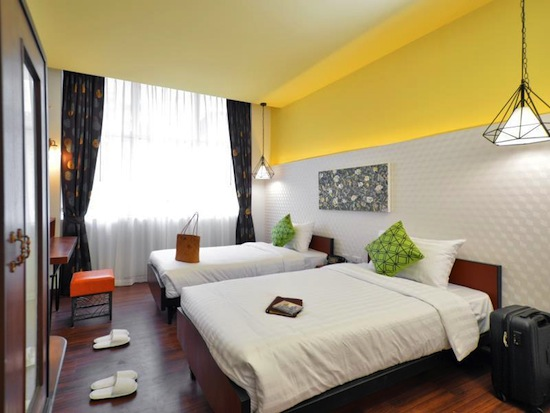 RetrOasis Hotel1