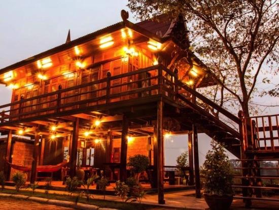 Bangplamo River View Resort1
