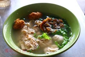 バンコク旧市街「ガオラオ サモン ムー」で豚の脳みそを食べた!