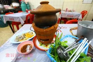 BTSウドムスック駅から徒歩30秒の場所に<br/>旨いイサーン料理があった!「Neung Anong」