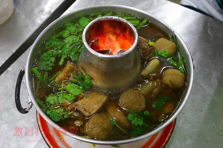 タイのモツ鍋!ヘンチュンセンでコラボ記事