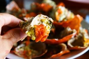 サムットソンクラーム県|茹でたプーカイ(蟹の卵)で舌鼓!