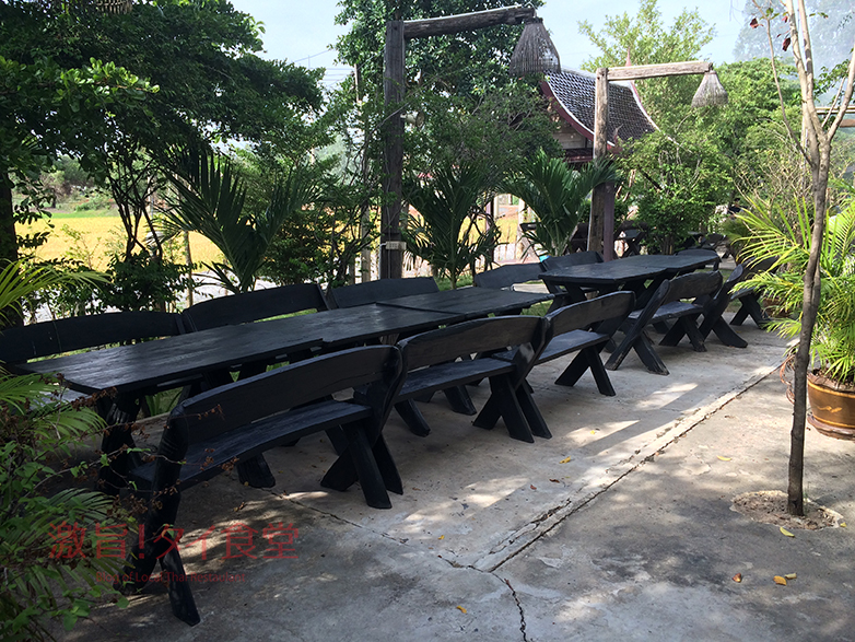 『クルアガンナー』テーブル席