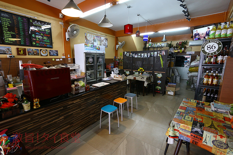 COFFEEINDY店内