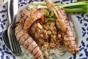タイのグルメサイトも認めた<br/>タイ食堂でガーリック炒めのシャコご飯!!