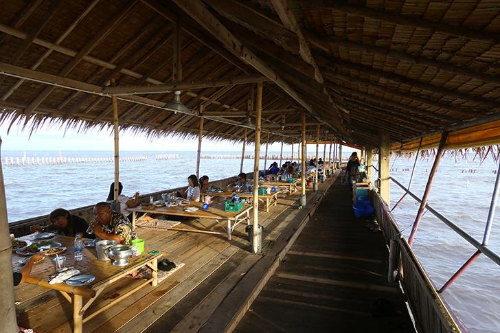 バンコクで唯一!?海上に浮かぶタイ料理レストラン 「Bangkok Sea View Seafoode」