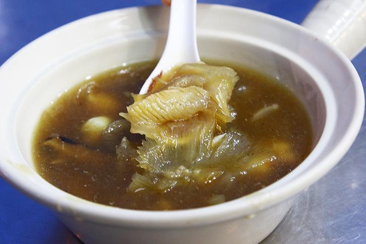 フカヒレスープやアワビ炒め、オースワンなどが旨いタイ中華食堂 Ah Ou Bangrak
