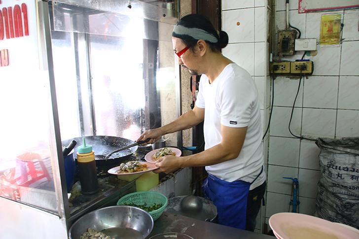 ミシュランガイドも選んだ! ヤワラートにある極上のホイトート Nai Mong Hoi Thod