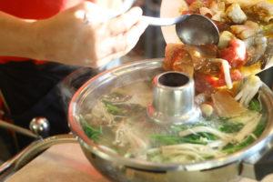 要人もご用達の激ウマ老舗タイスキ店『Charoen Thai Suki』