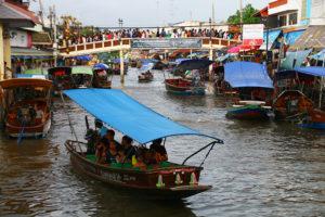 【終了】8/13(月)蛍がきらめく川をボートで遊覧 アンパワー水上マーケットやメークロン線路市場も巡ります。