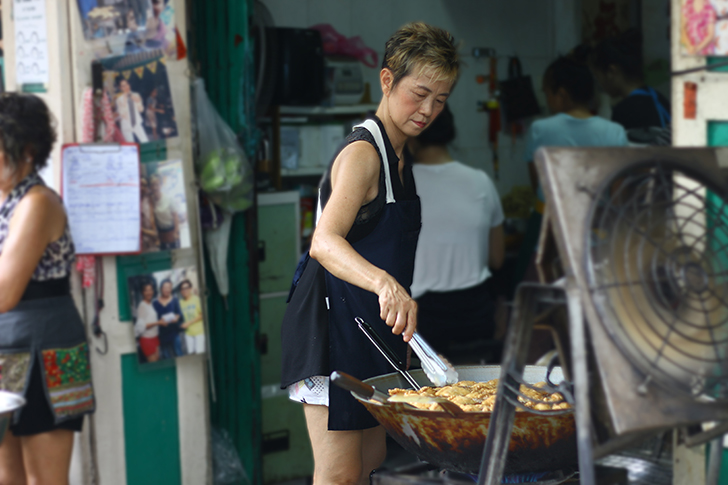 バンコクでは珍しい!カリーパフ好き必見の専門店『Phu Curry Puff』