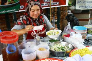 チェンマイの雲南ムスリム市場で出会った北タイ麺料理カオフン <br/> 〜チェンマイで根付く雲南系ムスリムたち〜